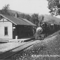 """Remembering """"36 miles of trouble"""": Historical Society shows West River Railroad collection"""